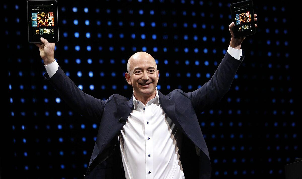 Jeff Bezos buys his first 127-meter supersailer