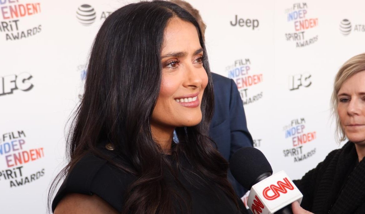 """Salma Hayek celebrates her arrival in the Marvel universe with """"Eternals"""" 