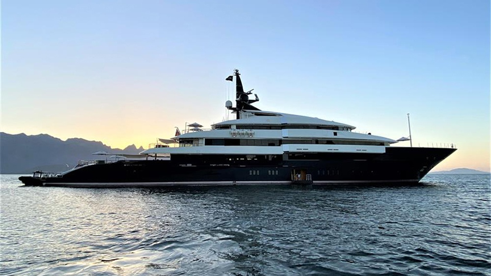 1621695538 Steven Spielberg is selling his truly movie mega yacht for