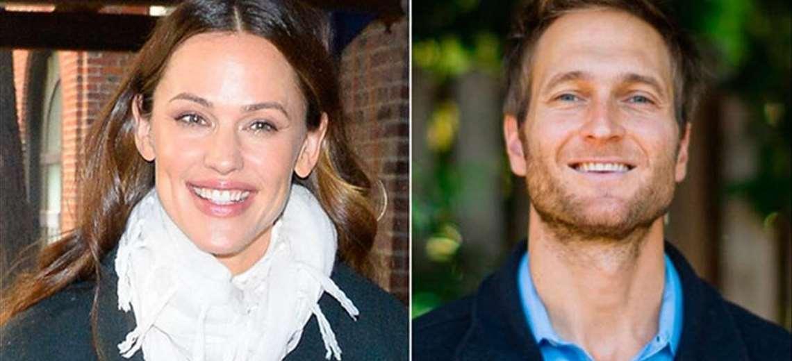 1621806297 Jennifer Garner ex wife of Ben Affleck also returns with her