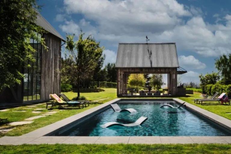 The pool next to Mila Kunis and Ashton Kutcher's house