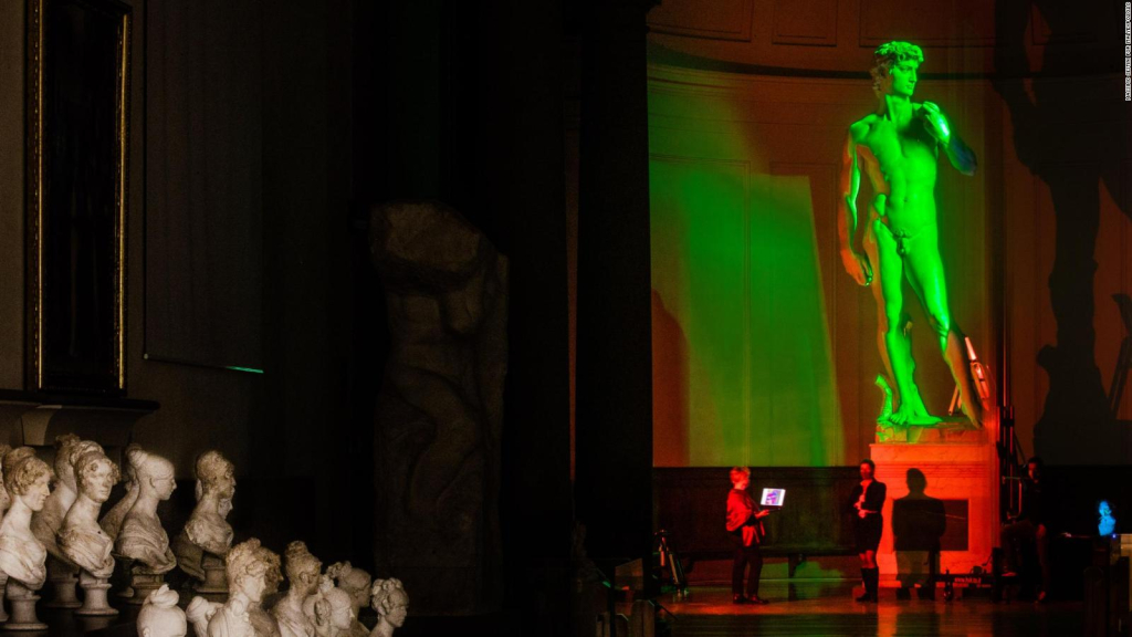 They replicate Michelangelo's David with 3D printing