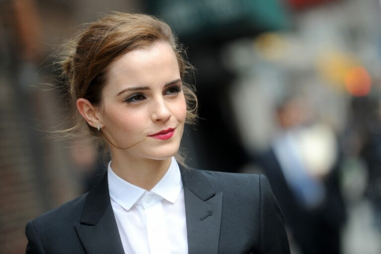 1621912318 Emma Watson She takes her social networks to push a