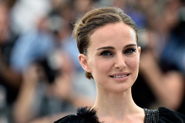 1622076720 878 Tom Hiddleston Natalie Portman and more Hollywood celebrities who have