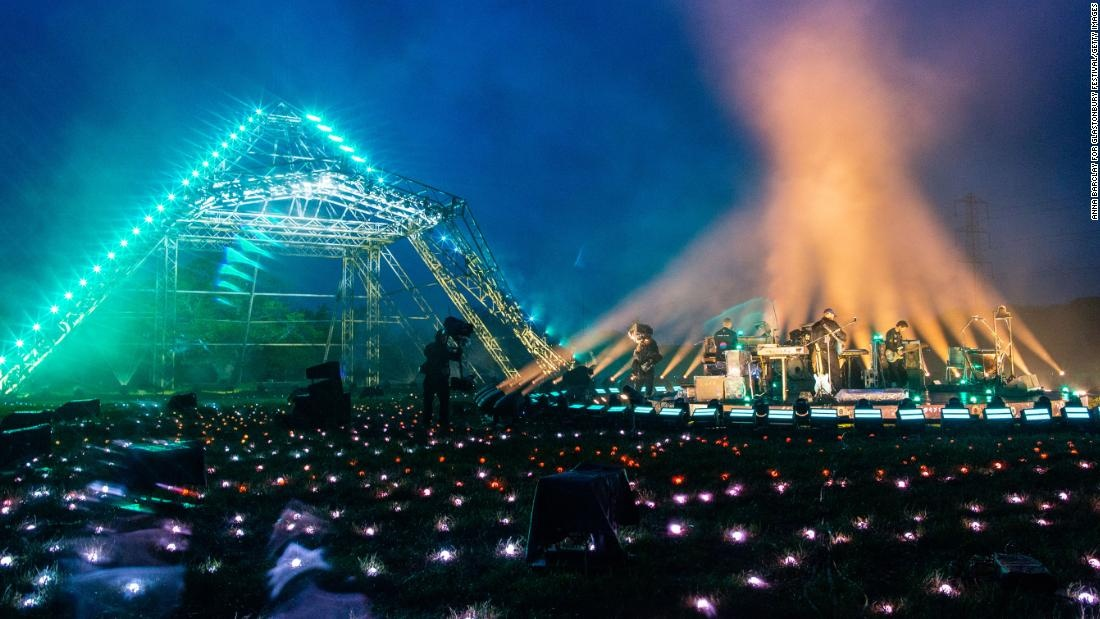 1622085883 Glastonbury fans stay out of event due to technical glitches