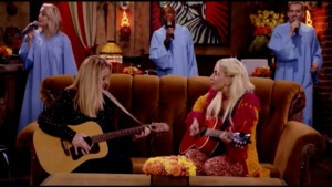 """Friends Reunion: Lisa Kudrow and Lady Gaga sing """"Smelly Cat"""" 