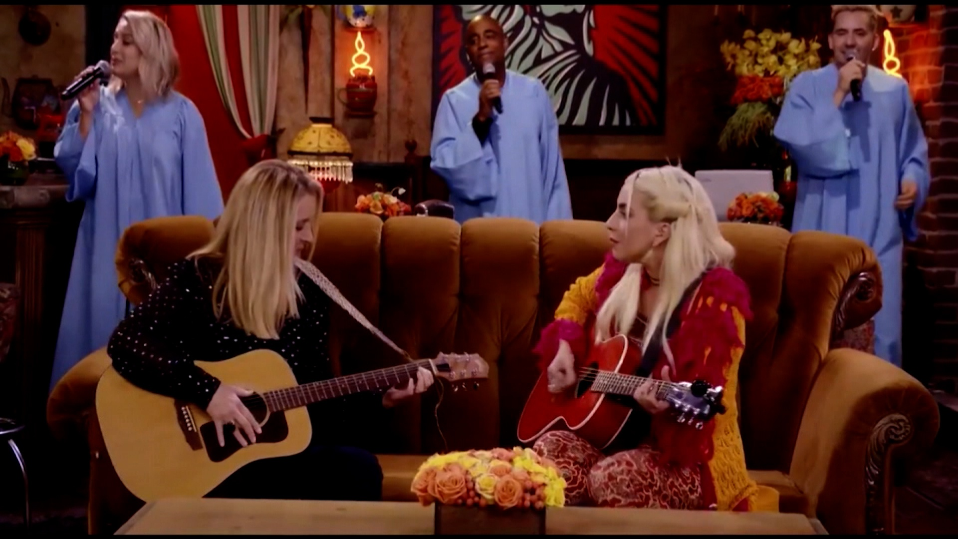 1622125913 Friends Reunion Lisa Kudrow and Lady Gaga sing Smelly Cat