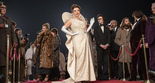 """Emma Thompson has said about her character's style in """"Cruella"""": """"We reference all the divas on the screen, from Joan Crawford to Elizabeth Taylor"""". (Photo: Disney)"""