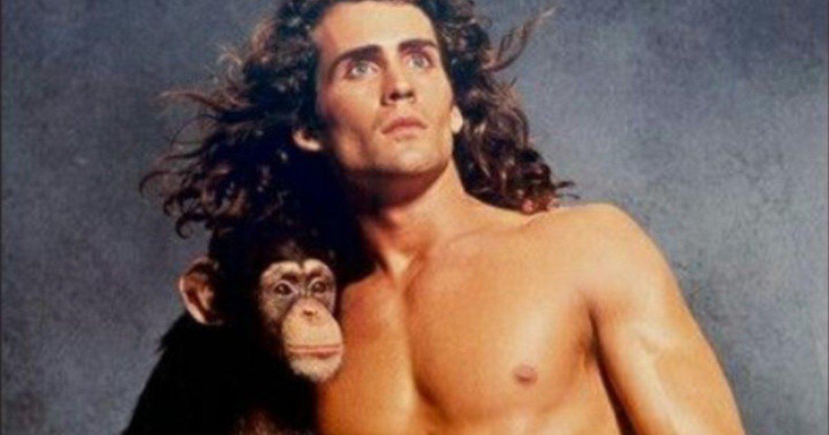 Joe Lara, the actor who played Tarzan on 90s TV, died in a plane crash