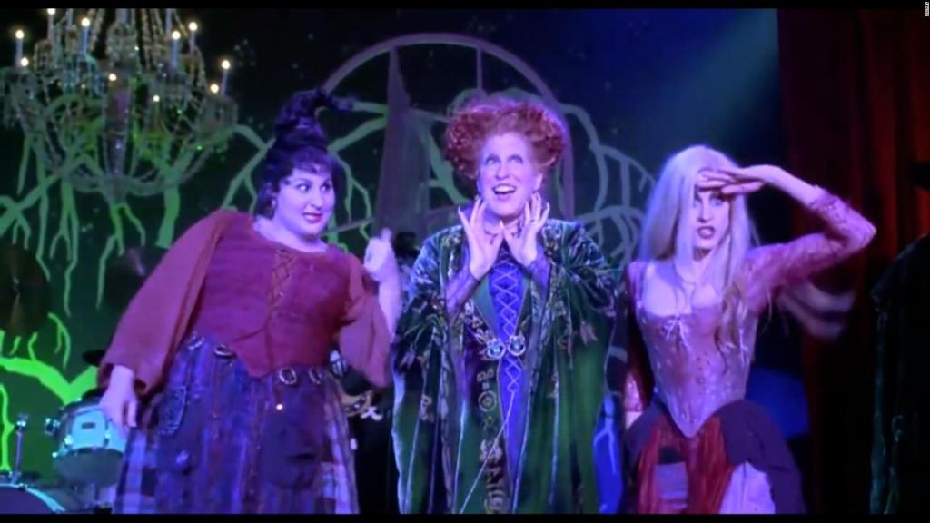 """""""Hocus Pocus"""" returns with its original cast"""