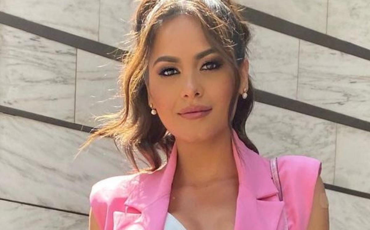 Andrea Meza, Miss Universe 2021, surprises when singing at VLA | VIDEO