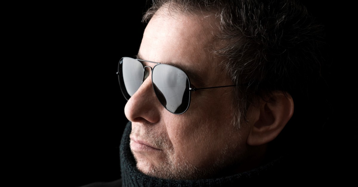 Calamaro surrounds himself with illustrious colleagues for an album of