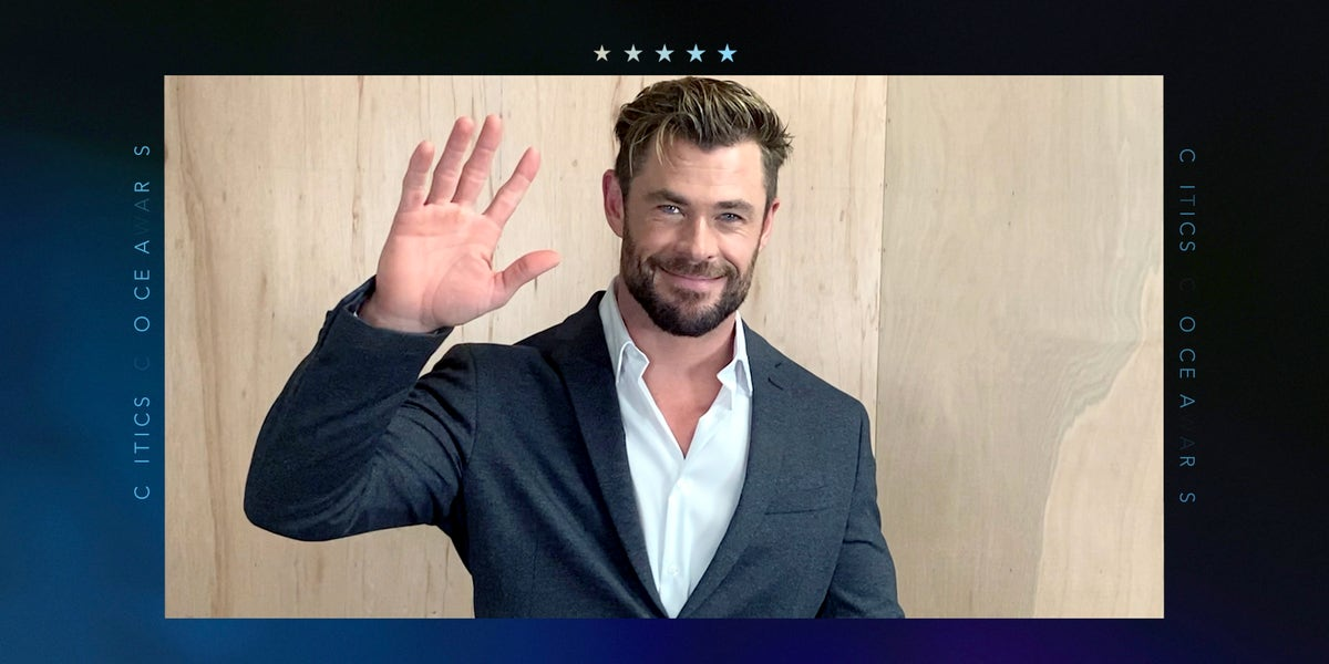 Chris Hemsworth's giant arm to play the new Thor