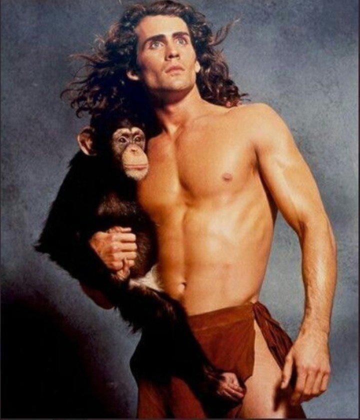 Joe Lara played Tarzan. Photo Archive / Twitter.