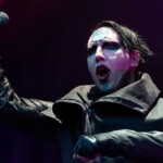 Marilyn Manson: They issue an arrest warrant for the singer for assault in the United States.