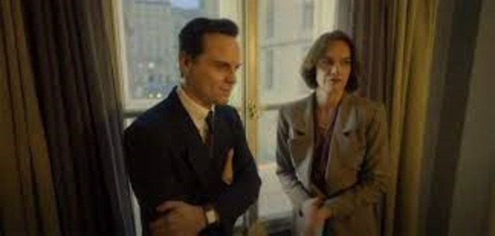 """Mona Juul (Ruth Wilson, from the series """"The affair"""") and her husband Terje Roed Larsen (Andrew Scott of """"Fleabag""""). HBO photo"""