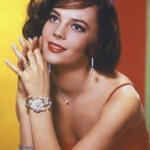 The most unknown episode in Natalie Wood's tragic life: her mother forced her into relationships with Frank Sinatra at age 15