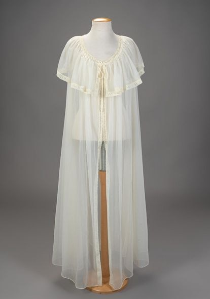 Vivien Leigh nightgown that has not ended up selling.