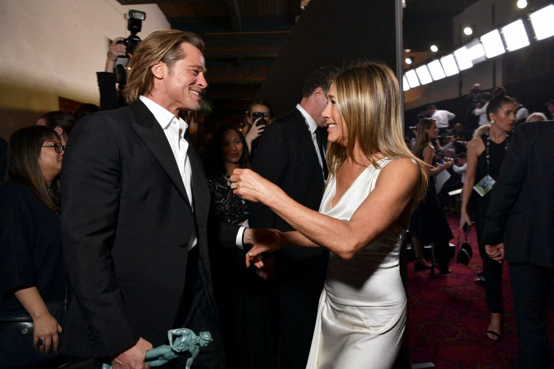 In 2020, when Jennifer Aniston and now single Brad Pitt meet at the Oscars, the internet is quivering. Fifteen years after the announcement of their divorce, their fans want to believe in a flashback.