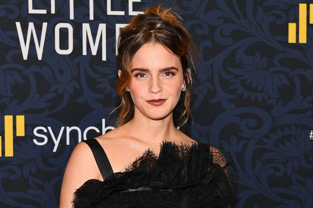 Emma Watson clarifies rumors about her retirement and engagement