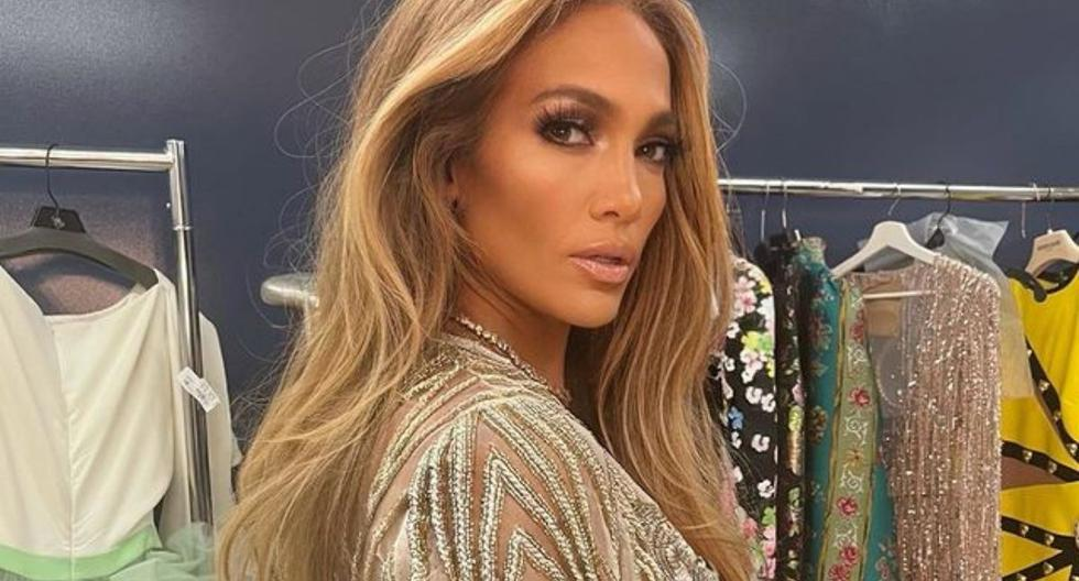 Jennifer Lopez signs agreement with Netflix to produce films and documentaries