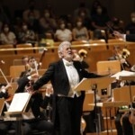 Plácido Domingo starts five encores on his return to the Spanish stages
