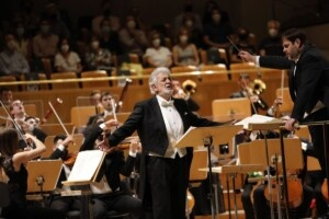 1623655371 Placido Domingo starts five encores on his return to the
