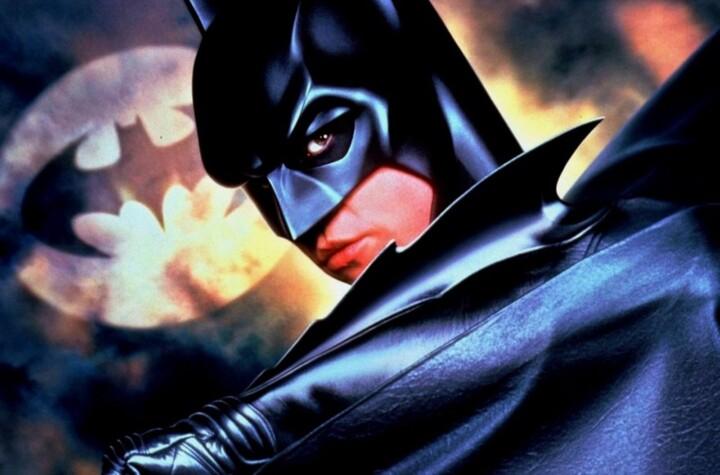 1624142197 Val Kilmer se une al debate ¿practica Batman sexo oral