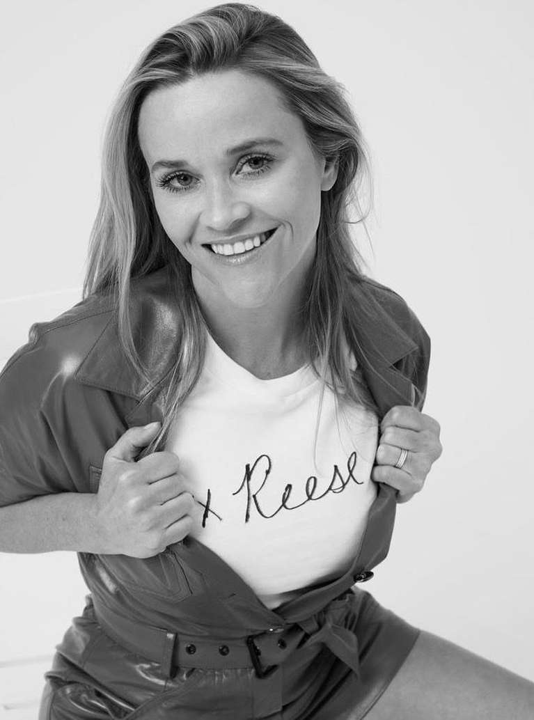 1624201062 997 Reese Witherspoon reappeared in a trendy cover