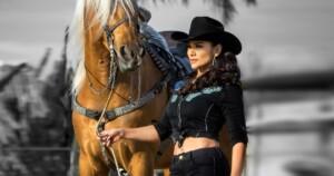 Alejandra Rojas prevails on horseback in Mexican regional music after