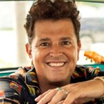 Carlos Vives will support the Latin Grammy Foundation with a musical promotion tour