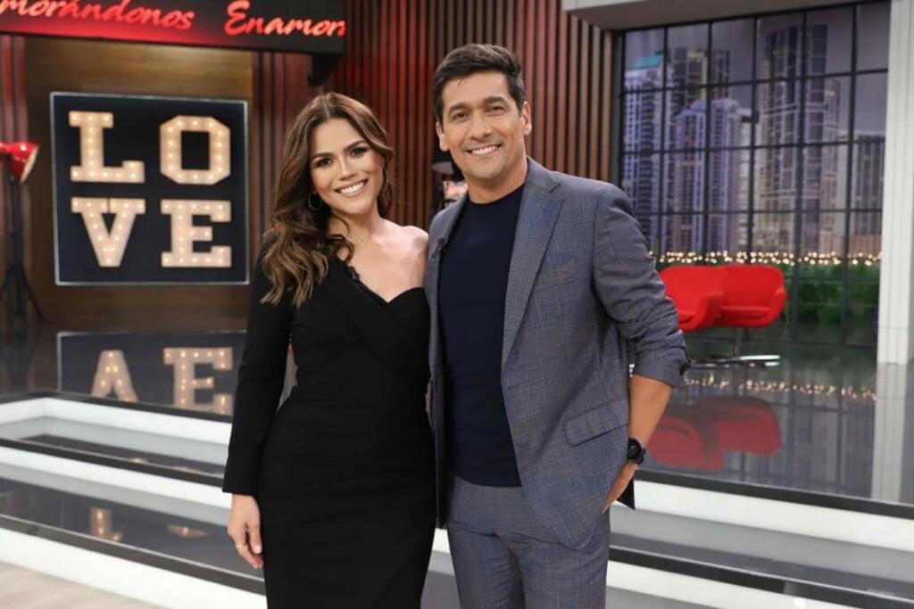 Confirmed Karina Banda the new presenter of Enamorandonos