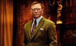 Daniel Craig prepares for the filming of Knives Out 2