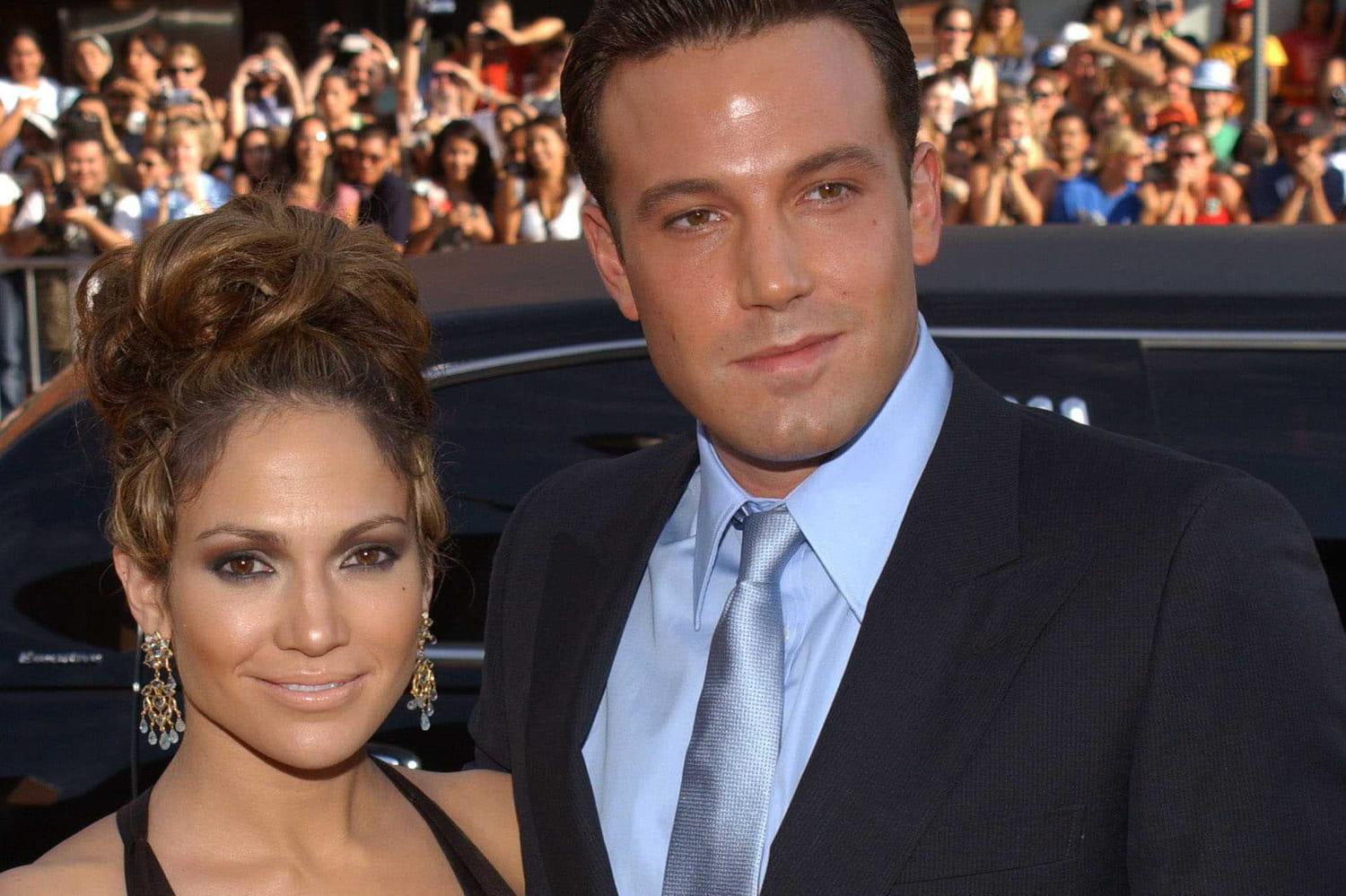 JLo and Ben Affleck kiss full on the mouth -PHOTOS