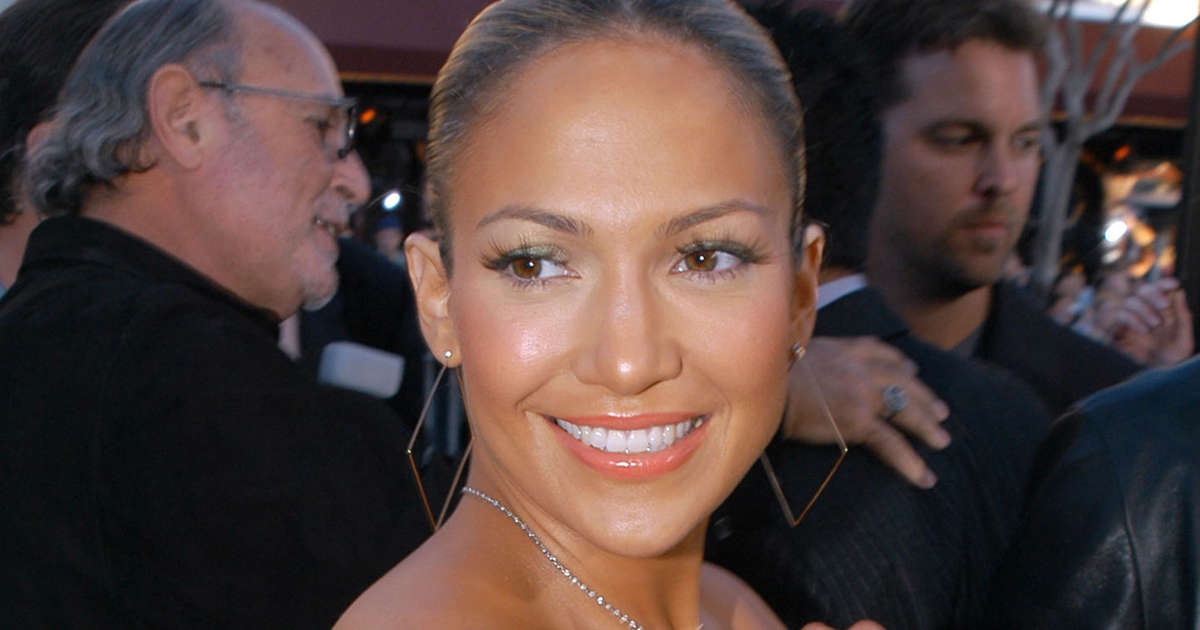 Jennifer Lopez Brings Back Her Jenny From The Block Look With A 2021 Twist