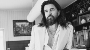 """Juanes remembers his beginnings in the industry with rock and highlights his love for the Peruvian waltz: """"I love music"""" 
