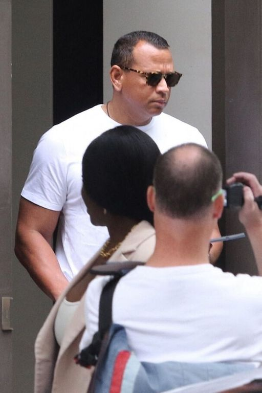 Katie Holmes in a relationship with Alex Rodriguez? His agent comes out of the silence
