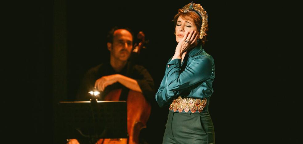 Los conciertos del finde: María Bayo, Tonino Carotone, Sofía Ellar, Manolo Kabezabolo, Kukai, Airu…