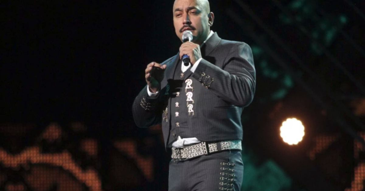 Lupillo Rivera apologizes after a macho comment towards Belinda