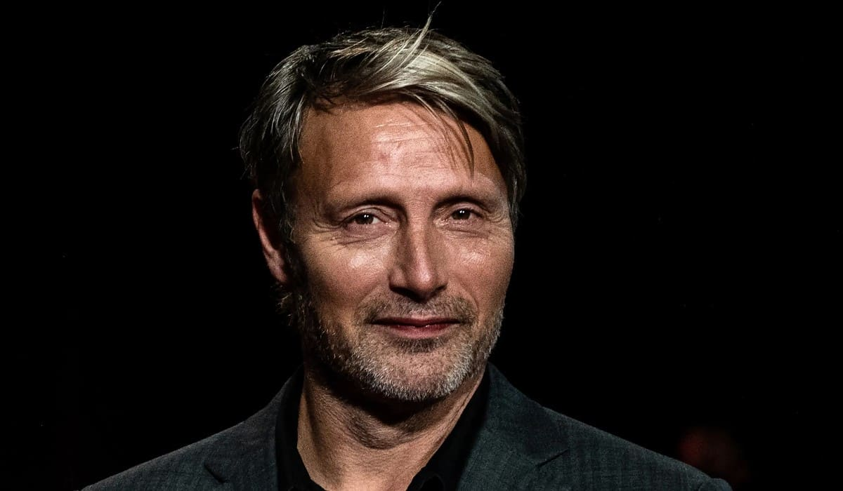 Mads Mikkelsen wanted to speak privately with Johnny Depp