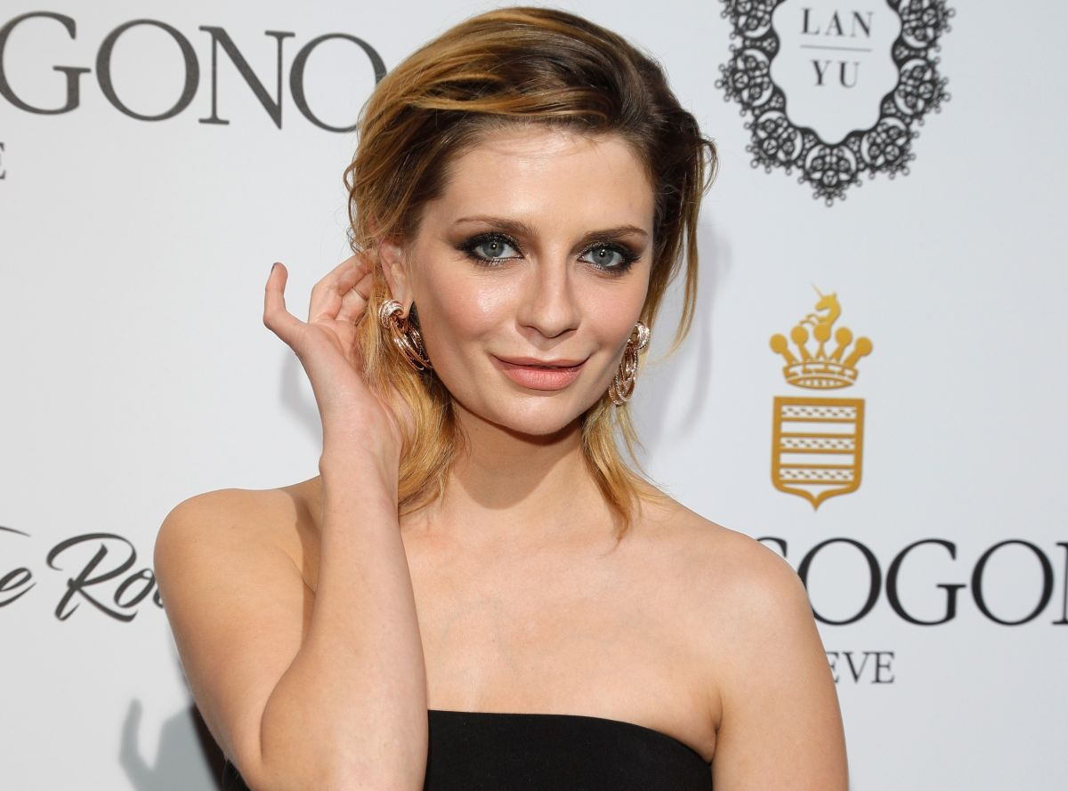 """Mischa Barton felt """"forced"""" to lose her virginity for her work on the series """"The OC"""""""