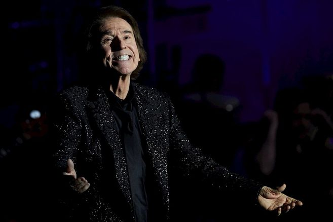 Raphael returned to the stage: this was his concert in Barcelona