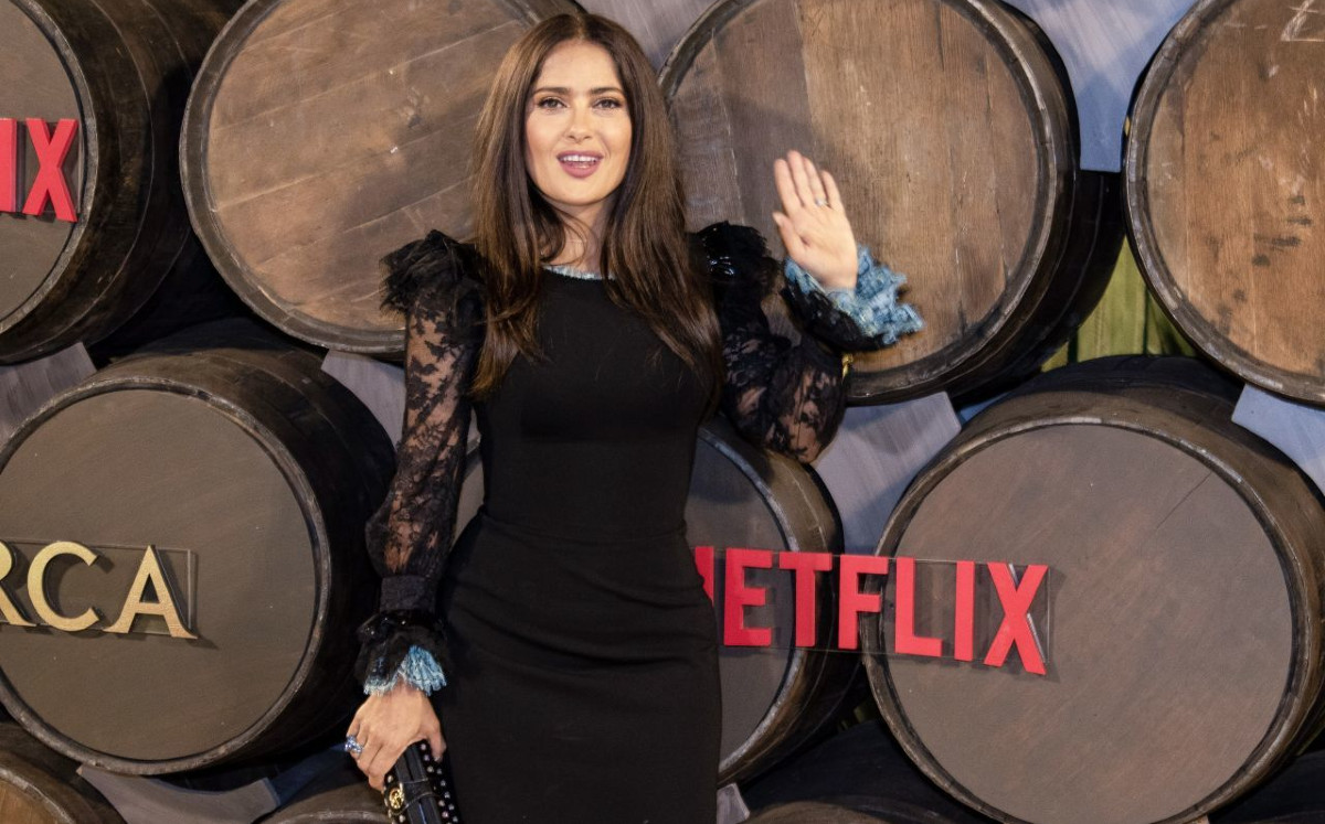 Salma Hayek surprises with trend and dance video on Instagram