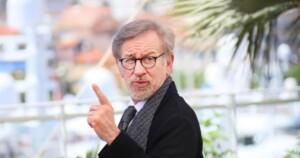 Spielberg el gran enemigo del streaming de rodillas ante Netflix