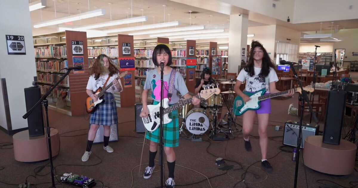 The Linda Lindas: the 4-girl punk band that sweeps online