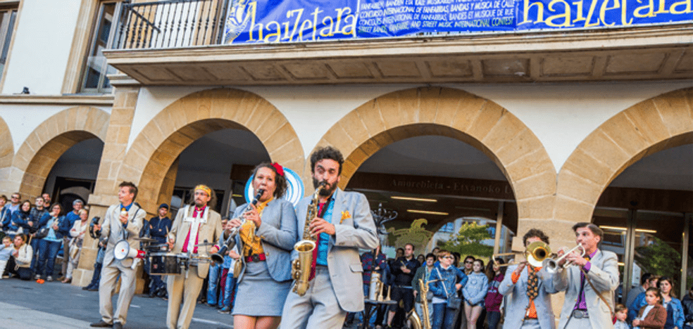 The street band festival returns to Amorebieta without competition and indoors