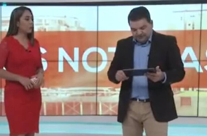 They already chamaquearon me Newscaster is bullied during live broadcast