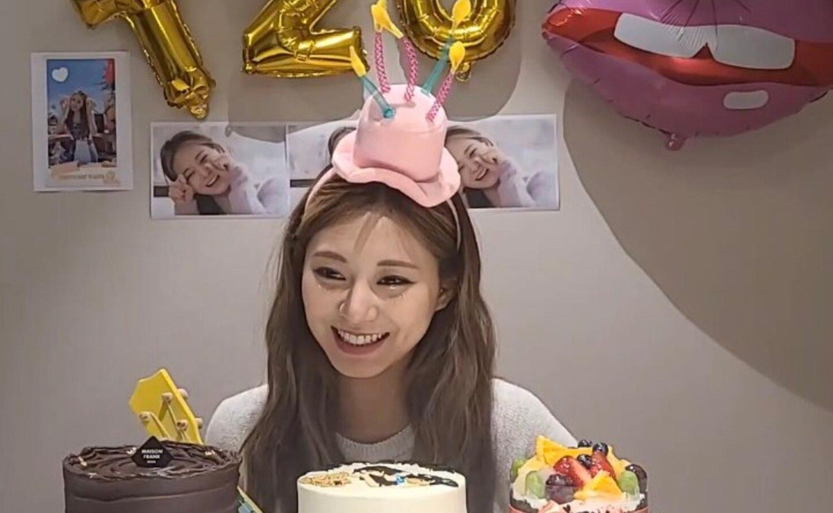 Tzuyu enjoys her birthday with a party and a mini