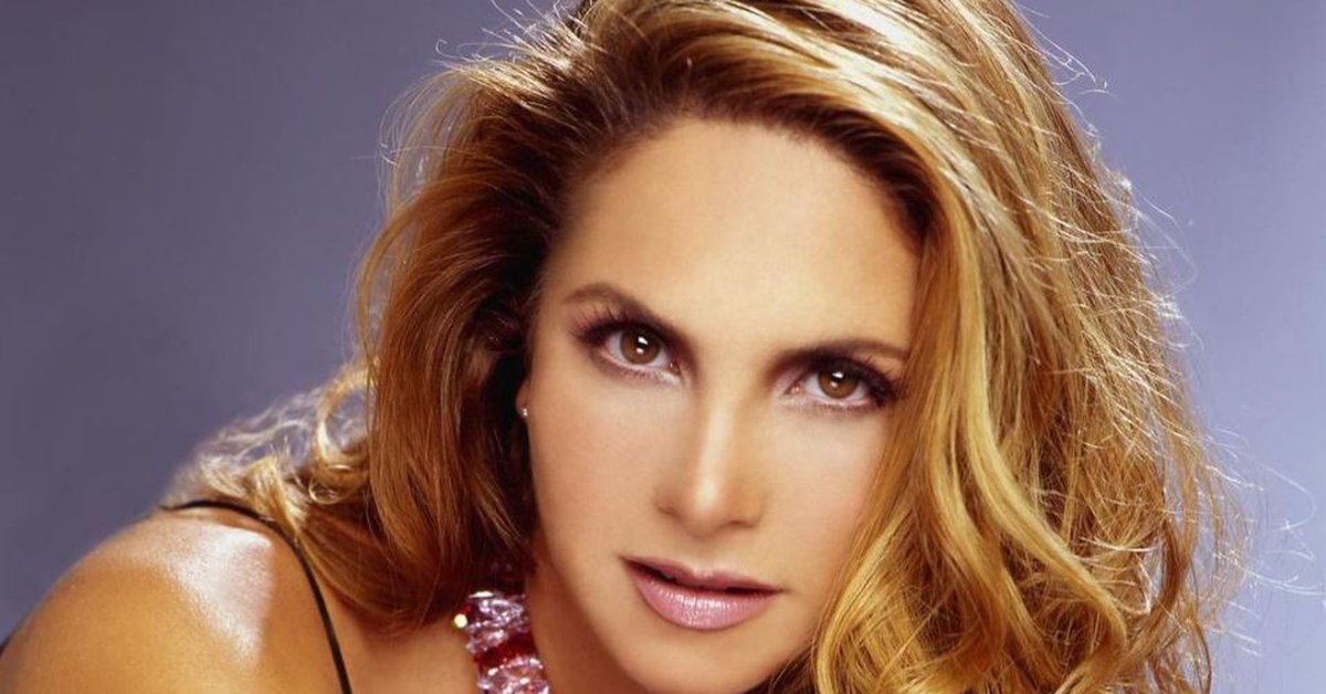 What is Lucero's secret to being spectacular at 51 years old