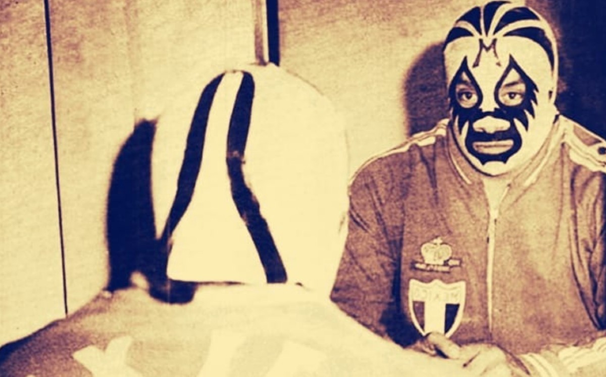 Why was Mil Mascaras so successful in the United States